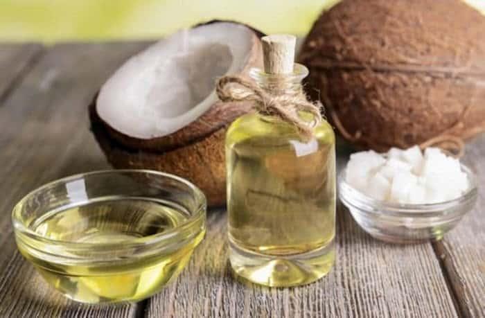 Tinh dầu dừa rất phổ biến và dễ mua
