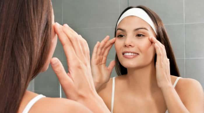 Hướng dẫn cách dưỡng da vùng mắt bằng tinh dầu 1