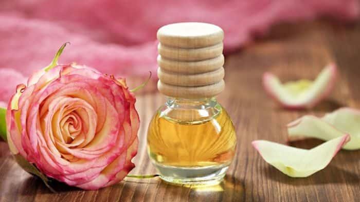 Tinh dầu hoa hồng rất tốt cho chăm sóc da
