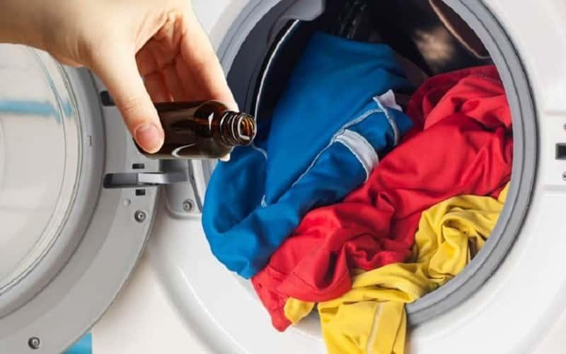 4 Cách sử dụng Tinh dầu thơm cho quần áo lưu hương cả ngày 1